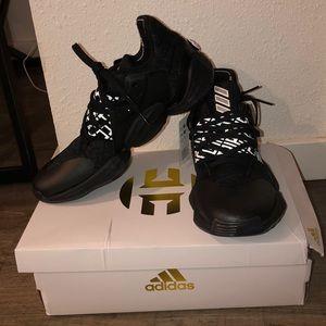 Harden Volume 4 Adidas Basketball shoes